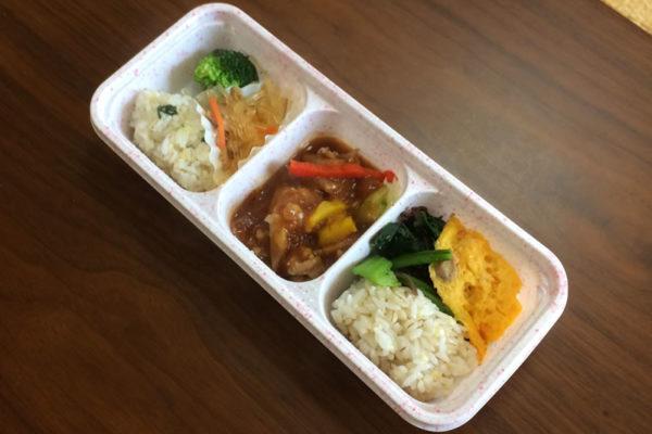 【ニチレイフーズの評判/口コミ】甘辛の味噌がコクがある!彩り野菜の回鍋肉弁当