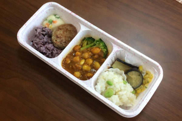 【ニチレイフーズの評判/口コミ】女性におすすめヘルシーな「ひよこ豆と大豆のカレー」弁当
