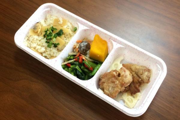【ニチレイフーズの評判/口コミ】好きなおかずだけが詰まった筍ごはんと鶏のから揚げ弁当